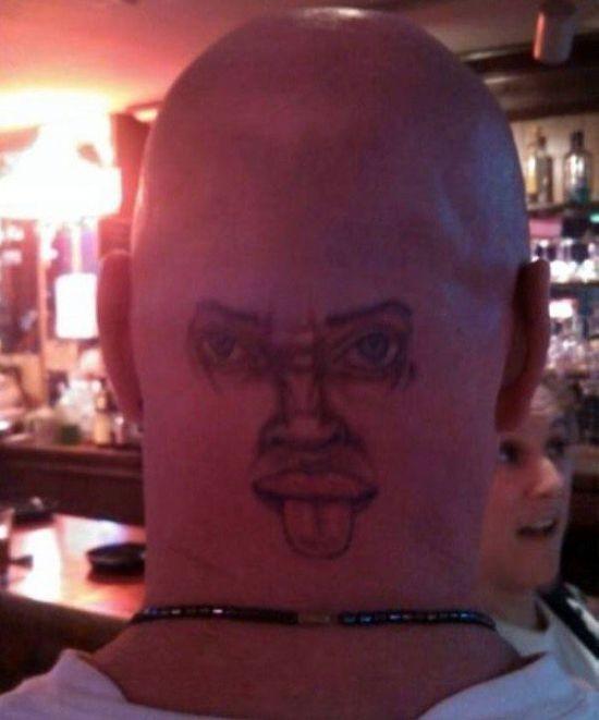 Очень странные татуировки (35 фото)