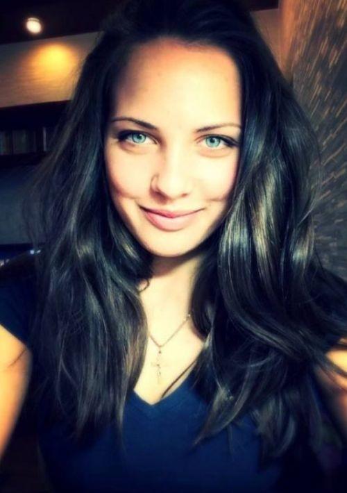 Анастасия Брызгалова покорила сердца болельщиков (10 фото)