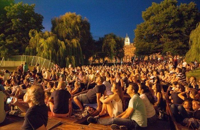 Выпускной магистрантов Кембриджского университета (22 фото)