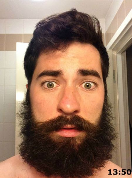 Парень не вовремя сбрил бороду (4 фото)