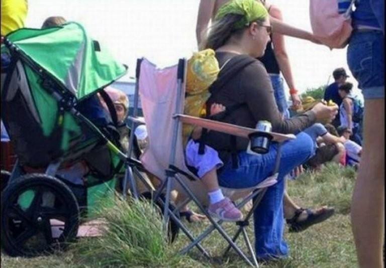 15 фото о матерях, за которых немного так стыдно (15 фото)