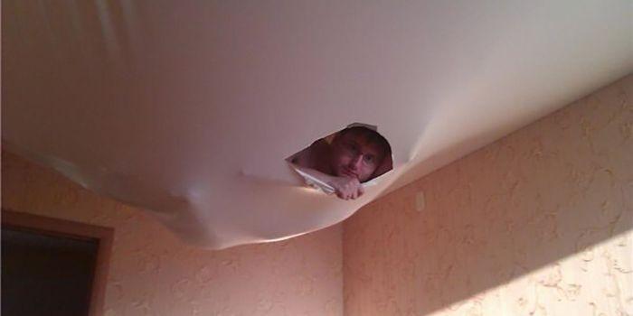 Когда в квартире ваших соседей появляется ремонт (19 фото)