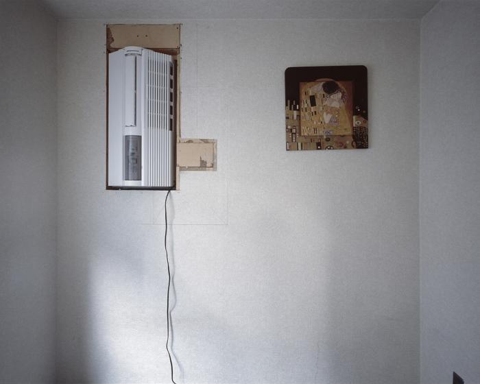 Первое в мире «капсульное» жилое здание — снаружи и изнутри (12 фото)