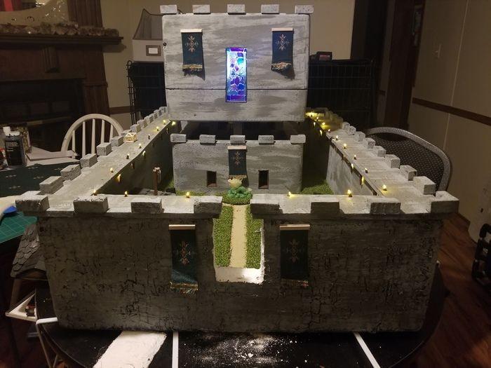 Удивительный замок из пенопласта (20 фото)