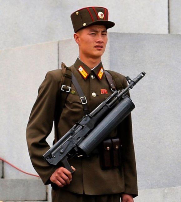 Вооружение отряда специального назначения Народной армии КНДР (4 фото)