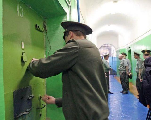 Пытку поп-музыкой во Владимирском централе решено прекратить (2 фото)