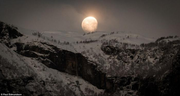 Красота Норвегии в работах британского фотографа (15 фото)