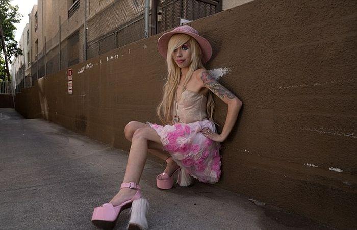Офелия Венити из Лос-Анджеллеса – «живая» Барби (8 фото)