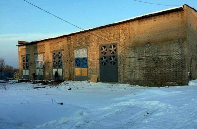В Оренбурге обнаружена крупная подпольная майнинг-ферма (2 фото)
