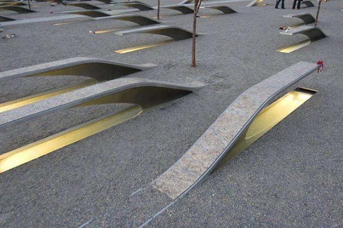 Скамейки украшают улицы городов (45 фото)