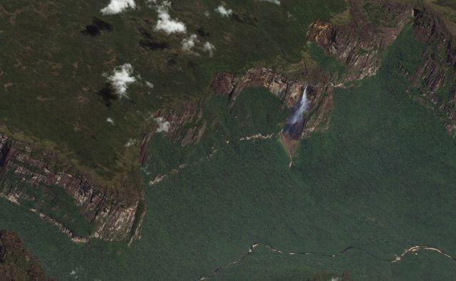 Новый метод спутниковой съёмки от компании Planet Labs (10 фото)