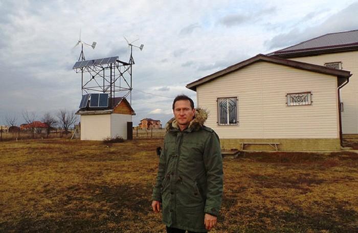 Житель Кубани создал независимый экологичный дом (4 фото)