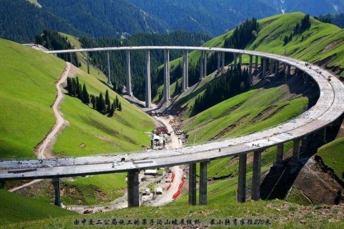 Скоростные автомагистрали в Китае (7 фото)