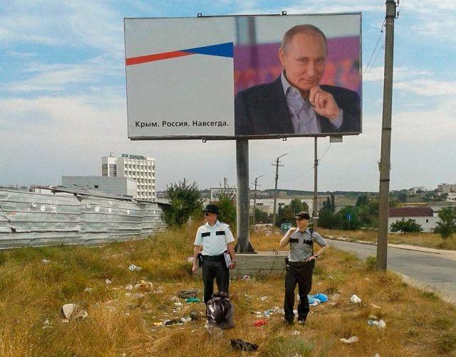 Если бы голливудские фильмы снимали в России (23 фото)