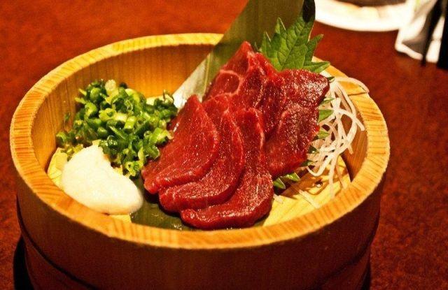 Национальные блюда, которые не каждый осмелится попробовать (10 фото)