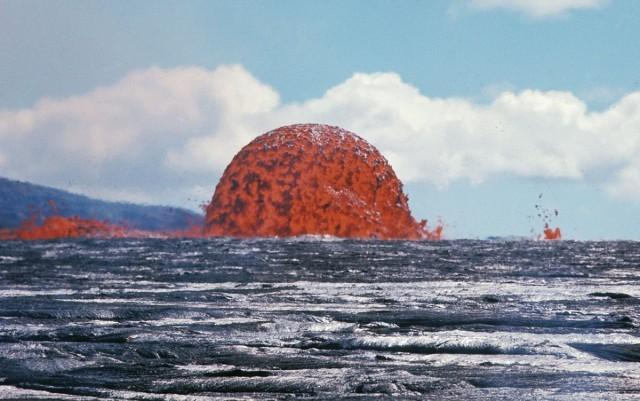 Извержение вулкана, длившееся 5 лет (3 фото)