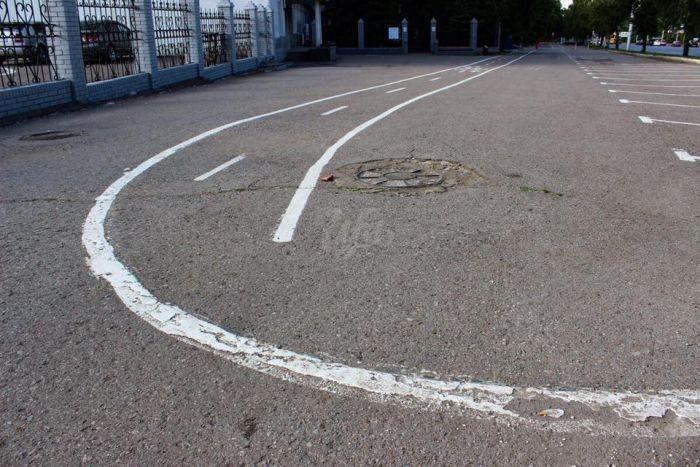 Велосипедные дорожки или новый шедевр на улицах Уфы (6 фото)