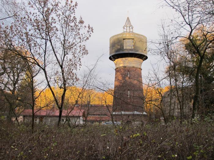 Жилая старая водонапорная башня (18 фото)