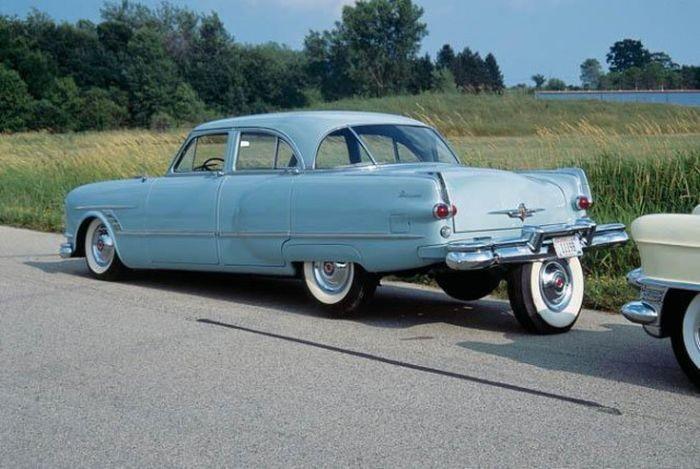 Для чего Packard Cavalier получил пятое колесо? (5 фото)