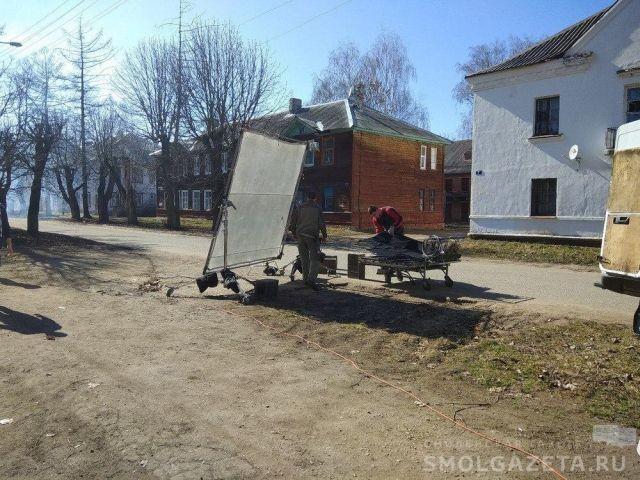 Военную разруху снимают прямо на реальных улицах города (10 фото)