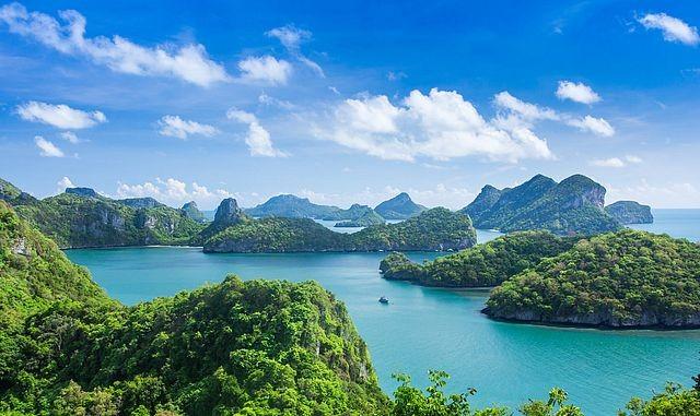Самые загадочные острова нашей планеты (10 фото)