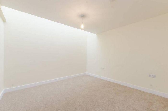 Аренда складского помещения, переделанного под квартиру (5 фото)