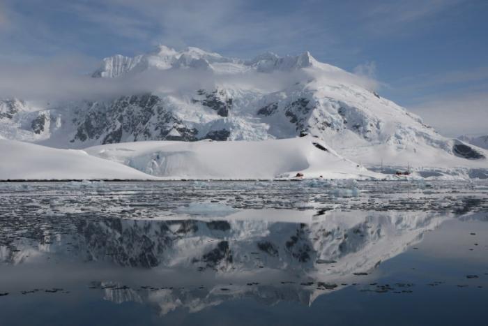Самые красивые бухты в мире (10 фото)
