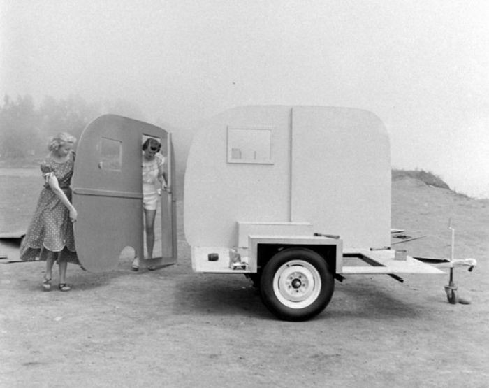 Сборный дом на колесах из 50-х годов (28 фото)