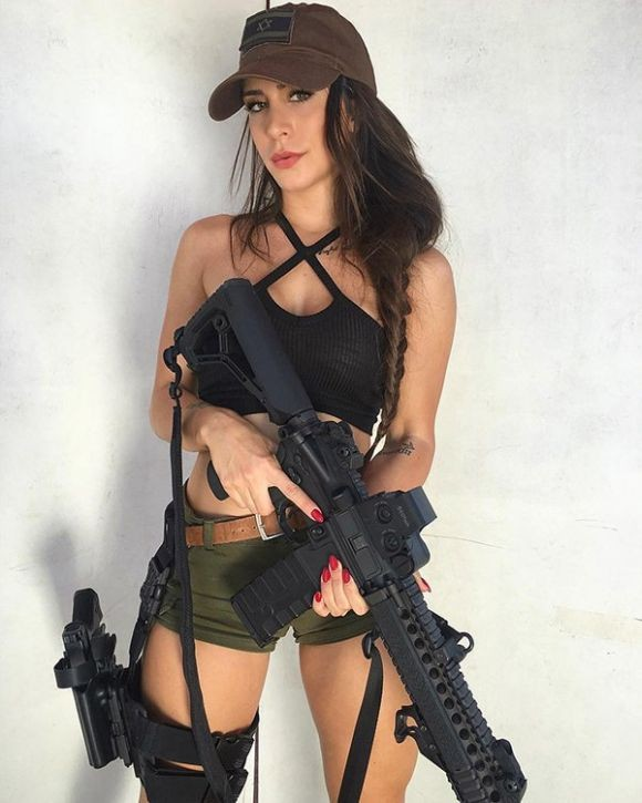 Орин Джули - очаровательный ветеран израильской армии (10 фото)