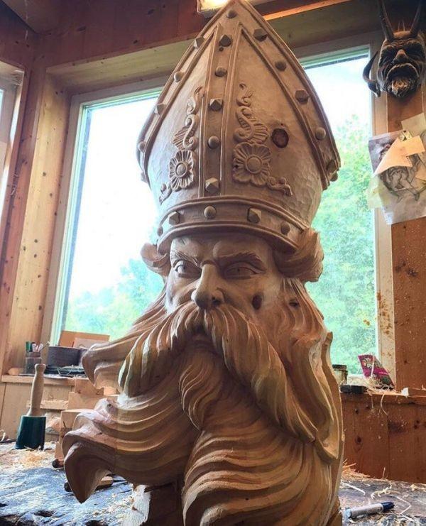 Великолепная скульптура из дерева (9 фото)