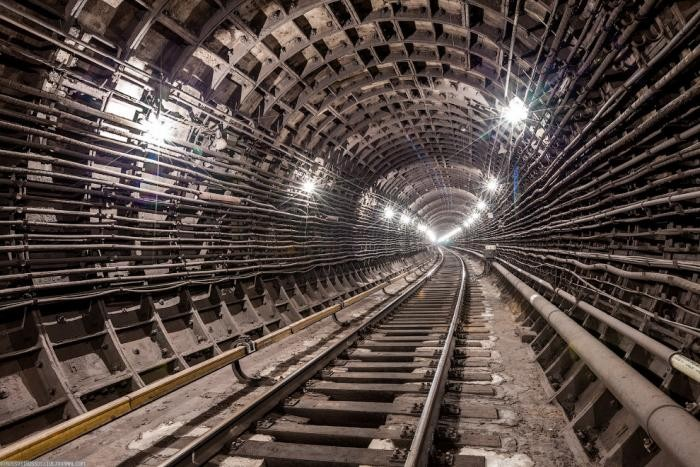 19c07f Подземные тоннели метро в Москве (23 фото)