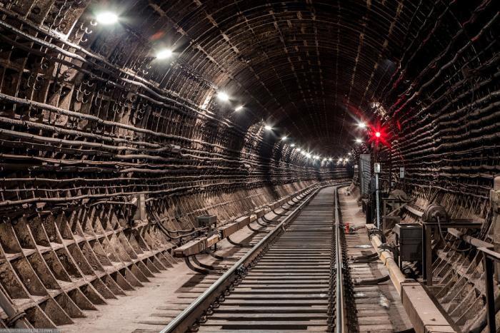 29cd13 Подземные тоннели метро в Москве (23 фото)
