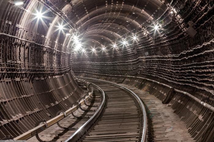 467563 Подземные тоннели метро в Москве (23 фото)