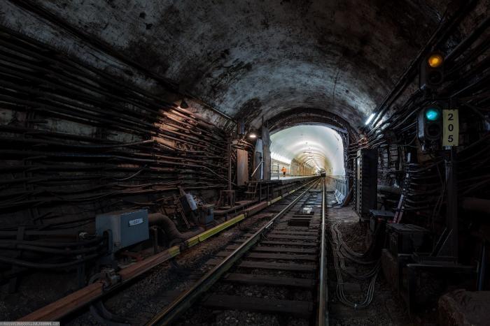 68ad3e Подземные тоннели метро в Москве (23 фото)