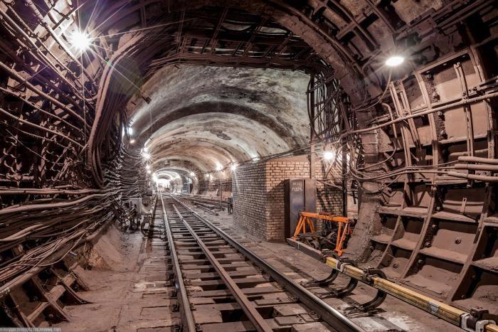 c4e324 Подземные тоннели метро в Москве (23 фото)