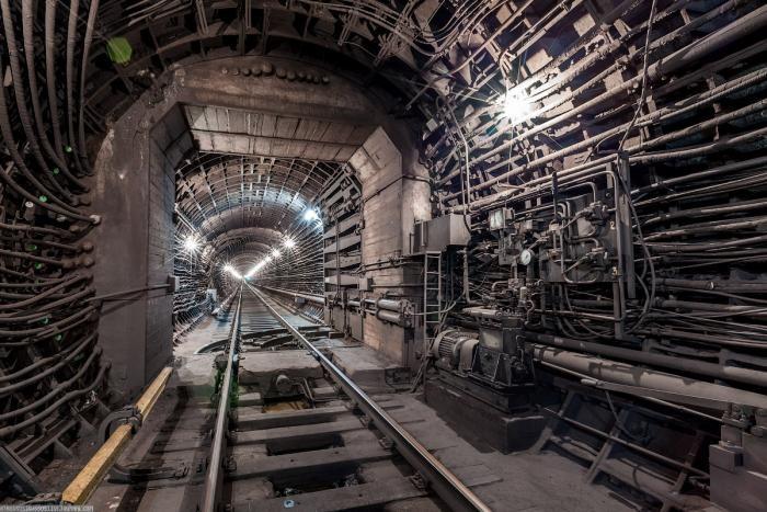 ff09af Подземные тоннели метро в Москве (23 фото)