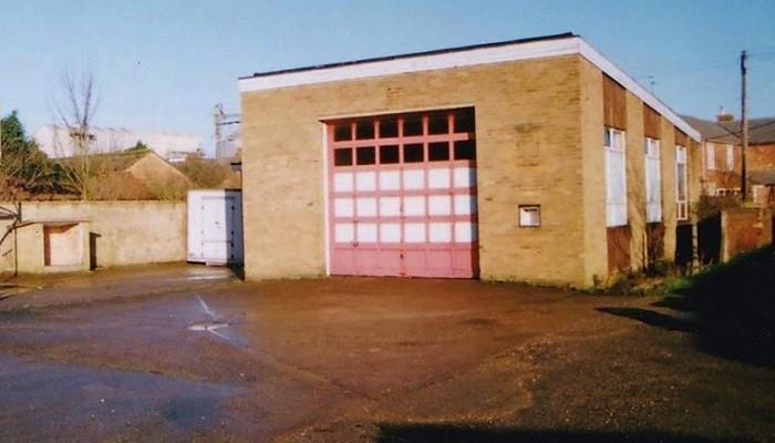 Дом из старой пожарной станции (7 фото)