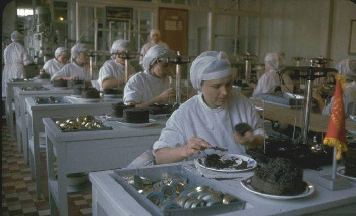 Добыча черной икры во второй половине XX века (11 фото)