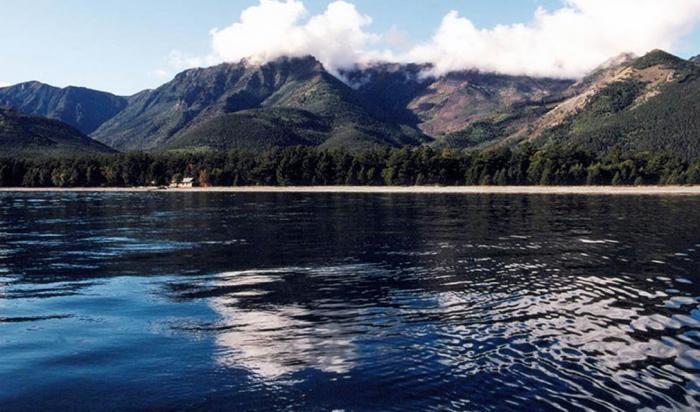 Самые глубокие озера мира (7 фото)