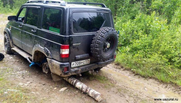 Русская смекалка в ремонте автомобиля (3 фото)
