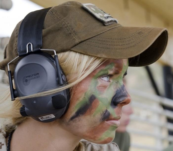 Девушки и жены оценили условия службы в армии (38 фото)