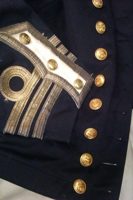 Старинные артефакты внутри сундука (29 фото)