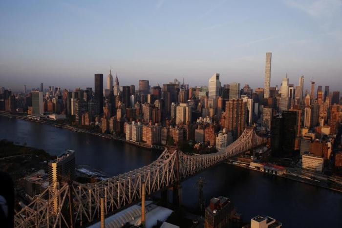 Нью-Йорк в лучах рассветного солнца (20 фото)