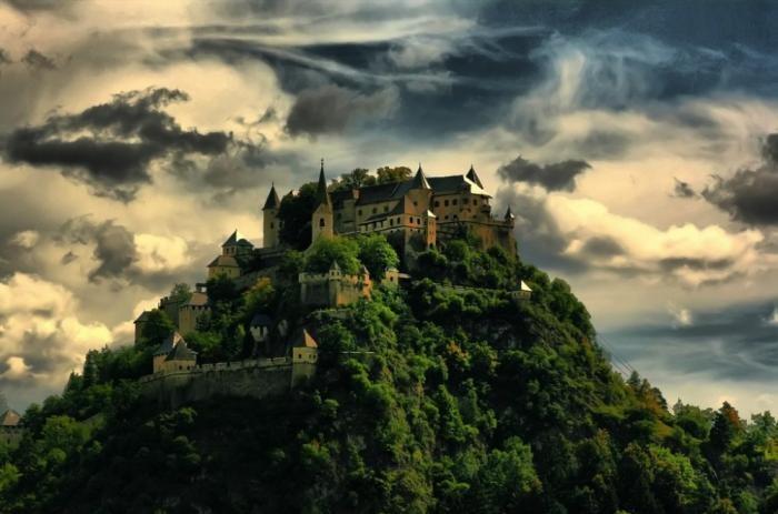 Сказочные замки из разных уголков мира (11 фото)
