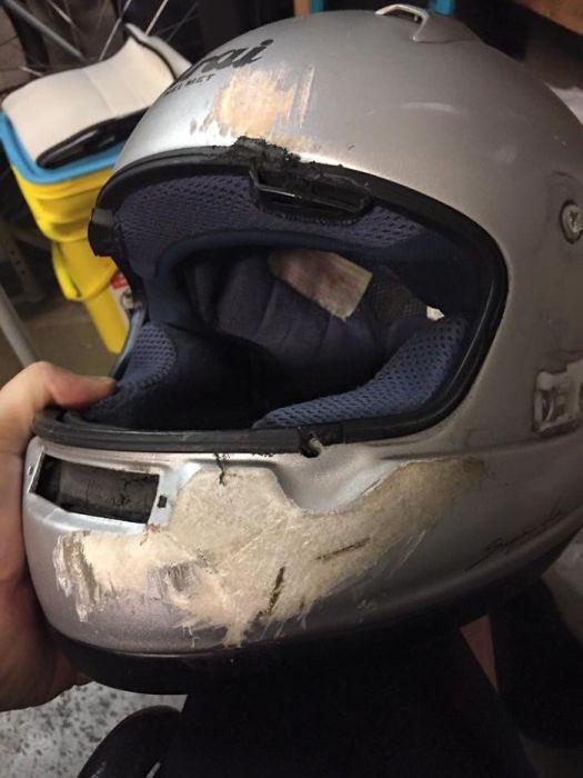 Вот для чего нужны шлемы (19 фото)