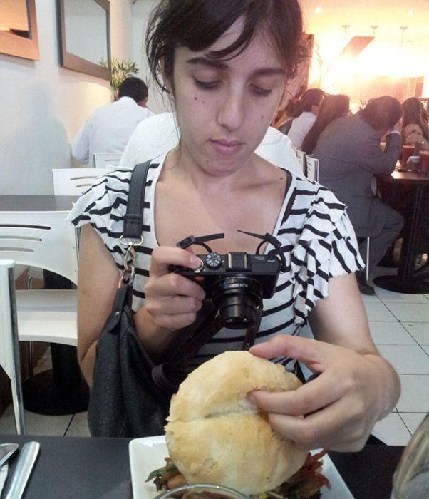 Люди, фотографирующие еду (16 фото)