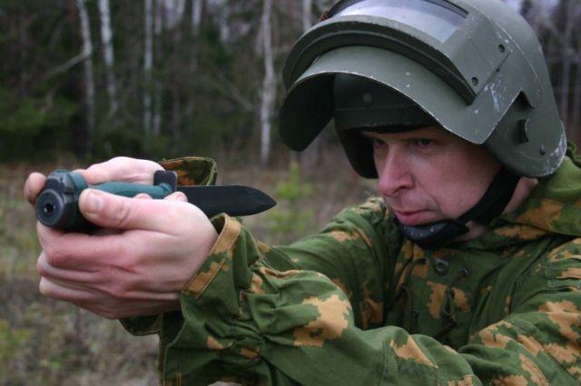 Стреляющий нож разведчика (7 фото)