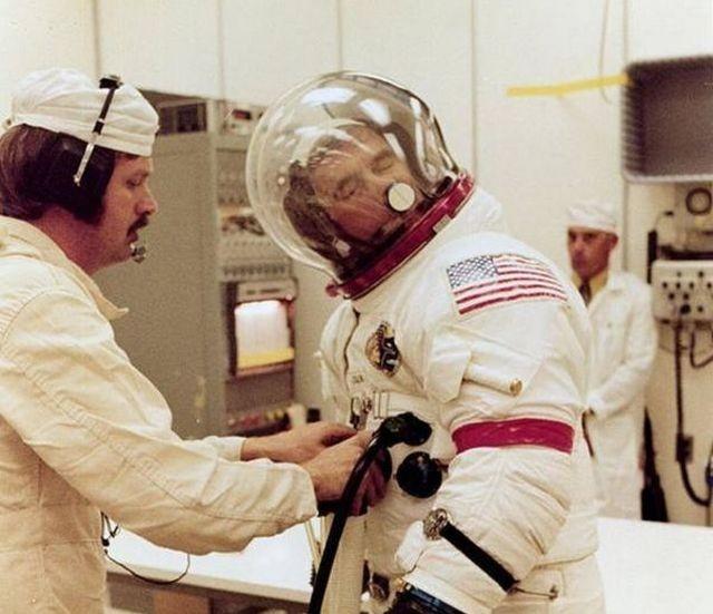 Полезное приспособление для космонавтов (3 фото)