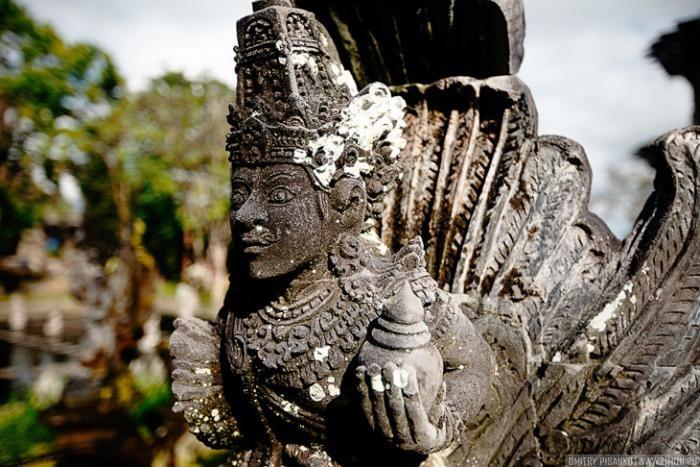 Экскурсия во дворец Тиртаганга на Бали (21 фото)