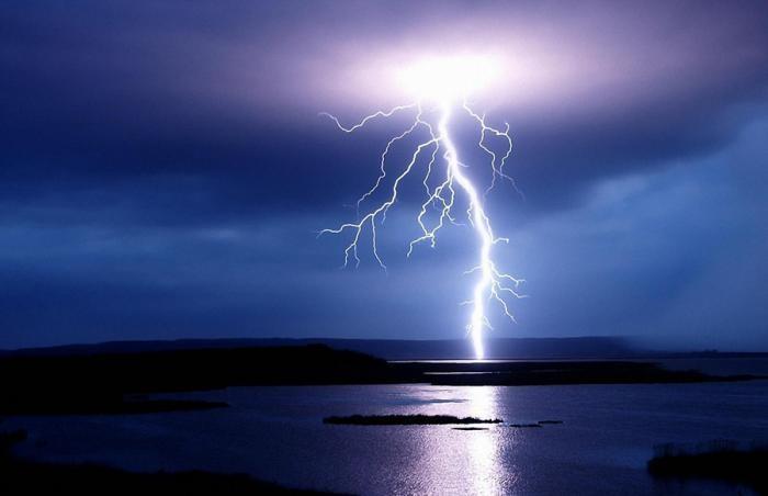 Малоизвестные факты о молниях (8 фото)